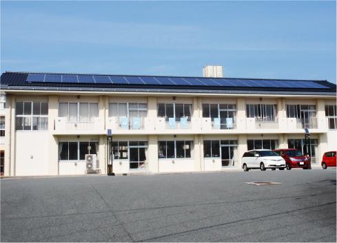 青谷小学校太陽光発電所